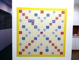 Magnetic scrabble baord 1x1 m